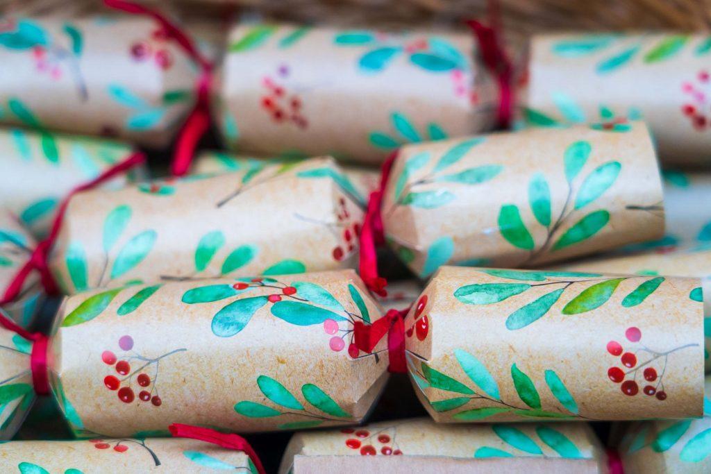 save money on Christmas crackers